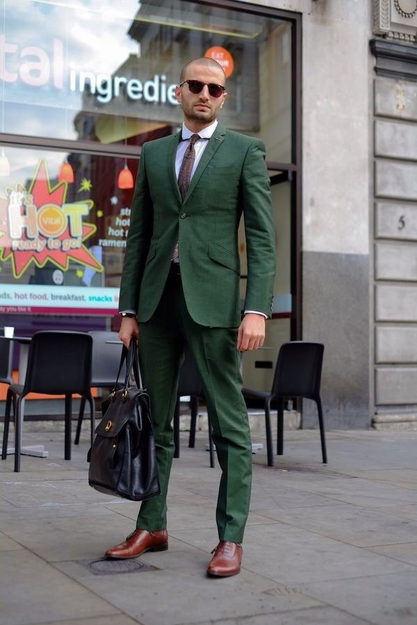 shoes to wear suit something as simple as opting for a dark green suit and a white oxford  shirt SFXWOEI