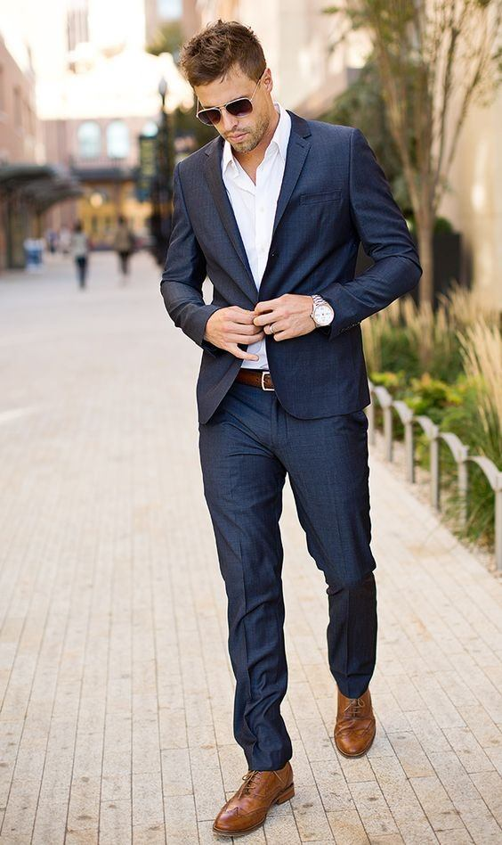 shoes to wear suit the leather color mostly affects the formality and attitude of a navy suit.  black shoes WDODVTO