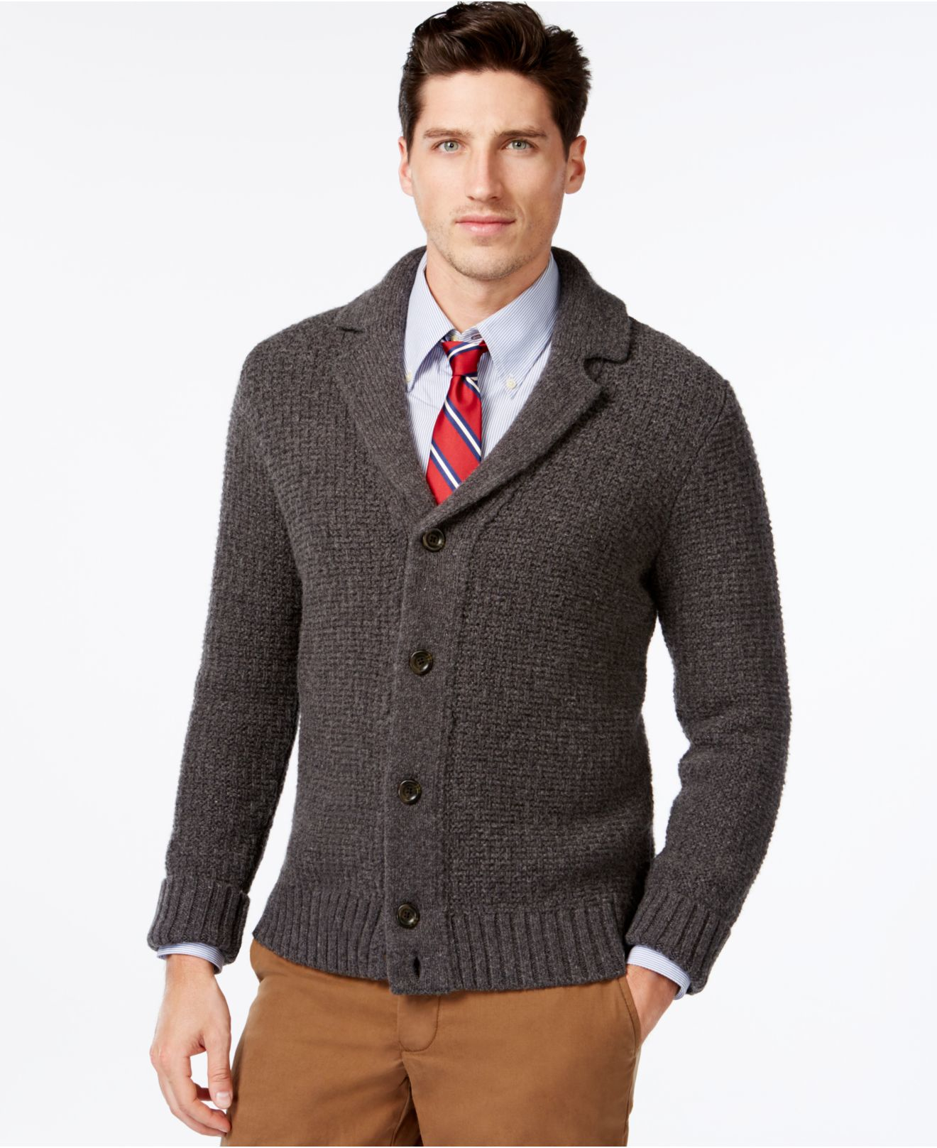 How to combine a Tommy Hilfiger cardigan