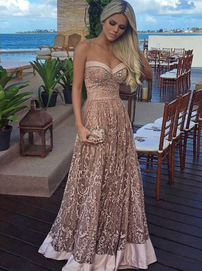 UNIQUE EVENING DRESSES