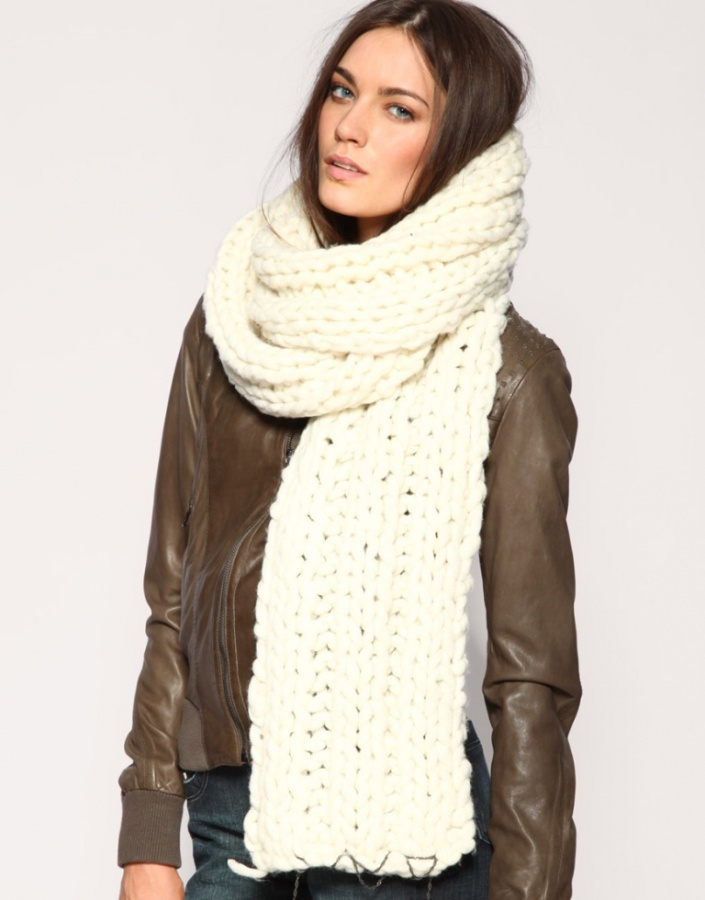 Winter scarves for women