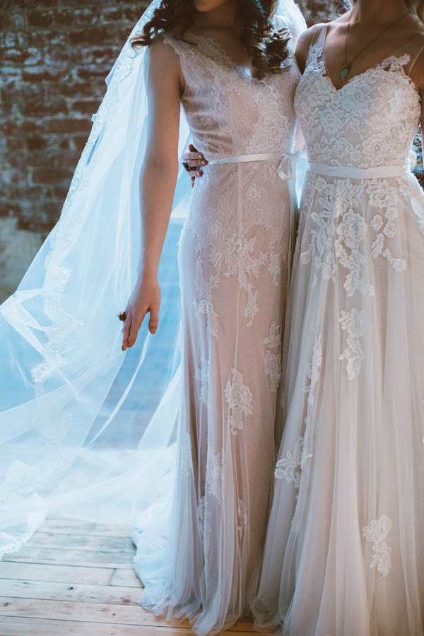 YOUNG COUTURE DRESSES dazzling-bohemian-bridal-inspiration-joyce-young-couture-sue- FLYWVRP