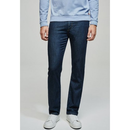 BALDESSARINI MEN JEANS – Relaxed denim styles with Baldessarini jeans