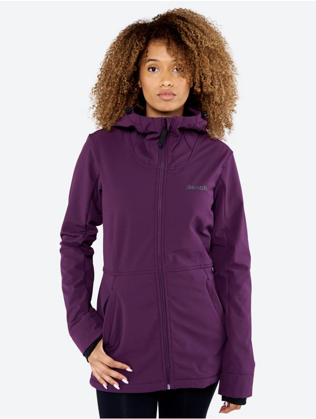 Attractive bench jackets for fashionable outfits