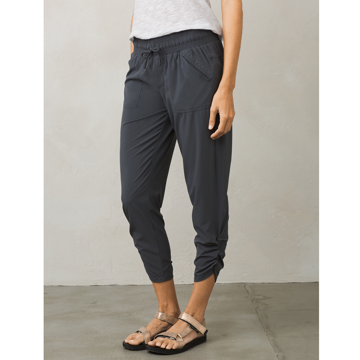 ... PRANA Womenu0026#39;s Midtown Capri Pants - COAL- ...