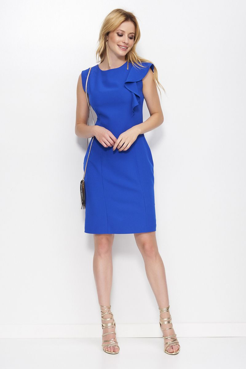 Straight cut dresses From discreet classic to eye-catcher