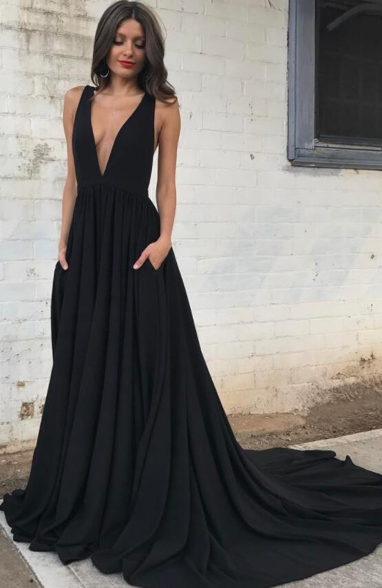 Sexy Deep V Neck Chiffon Black Long Prom Dress with Train