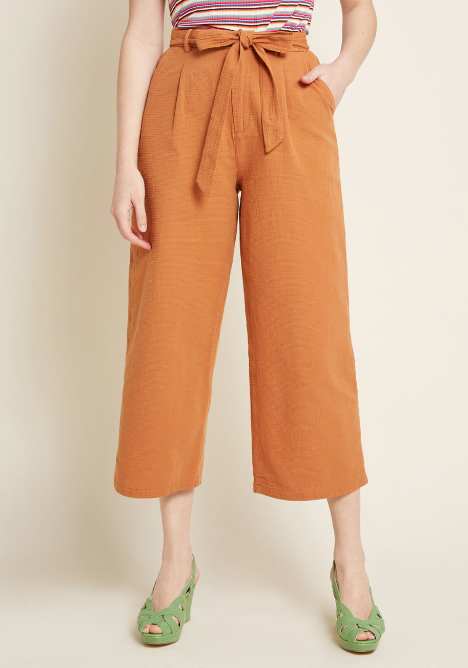 ModCloth Call It Confidence Wide-Leg Cropped Pants in Rust Rust