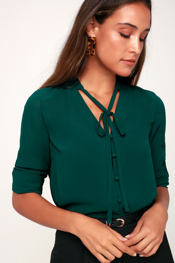 Green blouse – Modern classic for a variety of looks