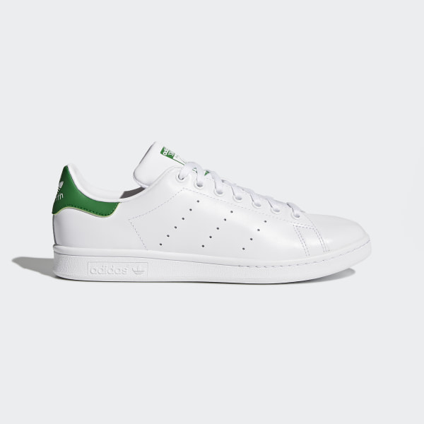 Sporty sneakers in green – robust, fashionable and very