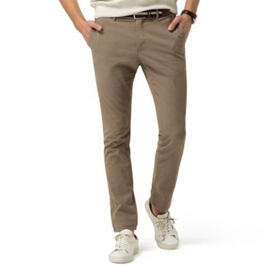 Hilfiger Chino – light fabrics and fashionable lines