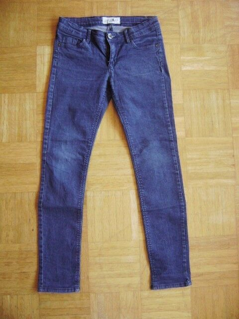 Jeans in size 152