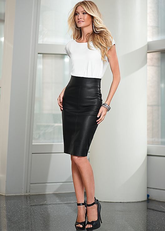 Pin by Rita Phil on Leather Skirts   Skirt outfits, Skirt outfits