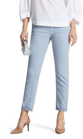 Cropped jeans with lace | marc-cain.com/en