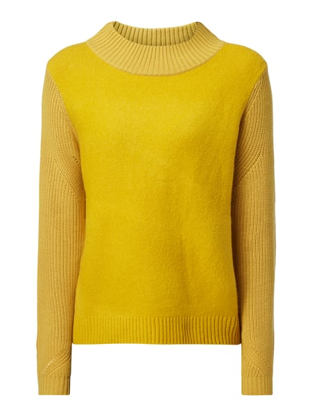 Create casual chic with an opus pullover