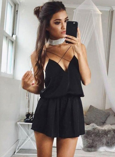 Women'Sexy V Neck Backless Spaghetti Strap Criss Cross Short Rompers