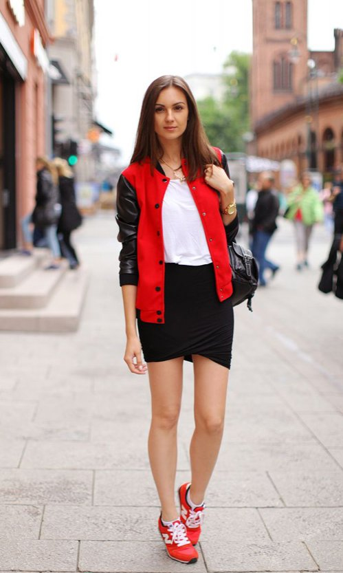 The Best of Casually Chic Fashion: Street Style Meets Sporty Style