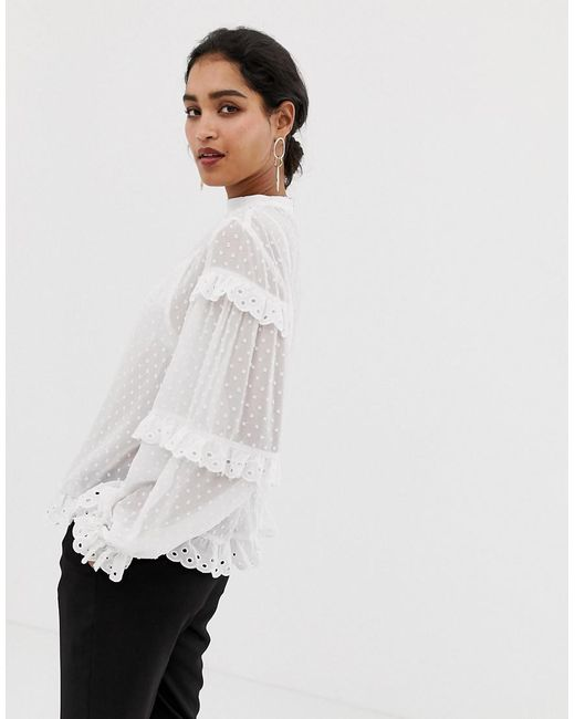 Lyst - Vila Dobby Spot Scallop Edge Blouse in White