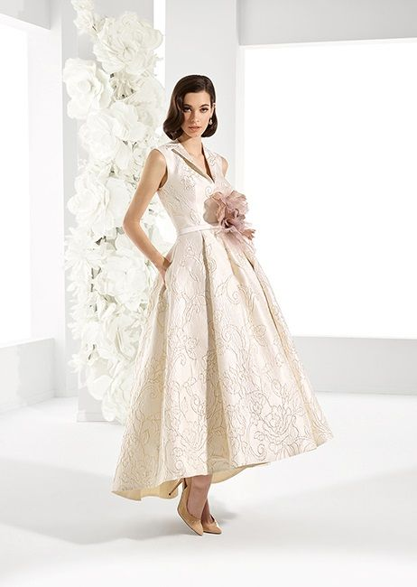 registry office wedding outfits | Bride's wedding dresses for