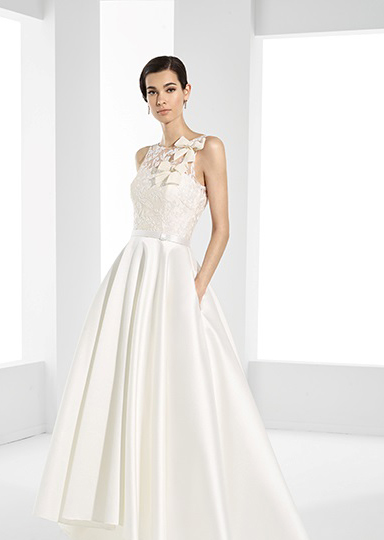 Bride's wedding dresses for registry office ceremonies